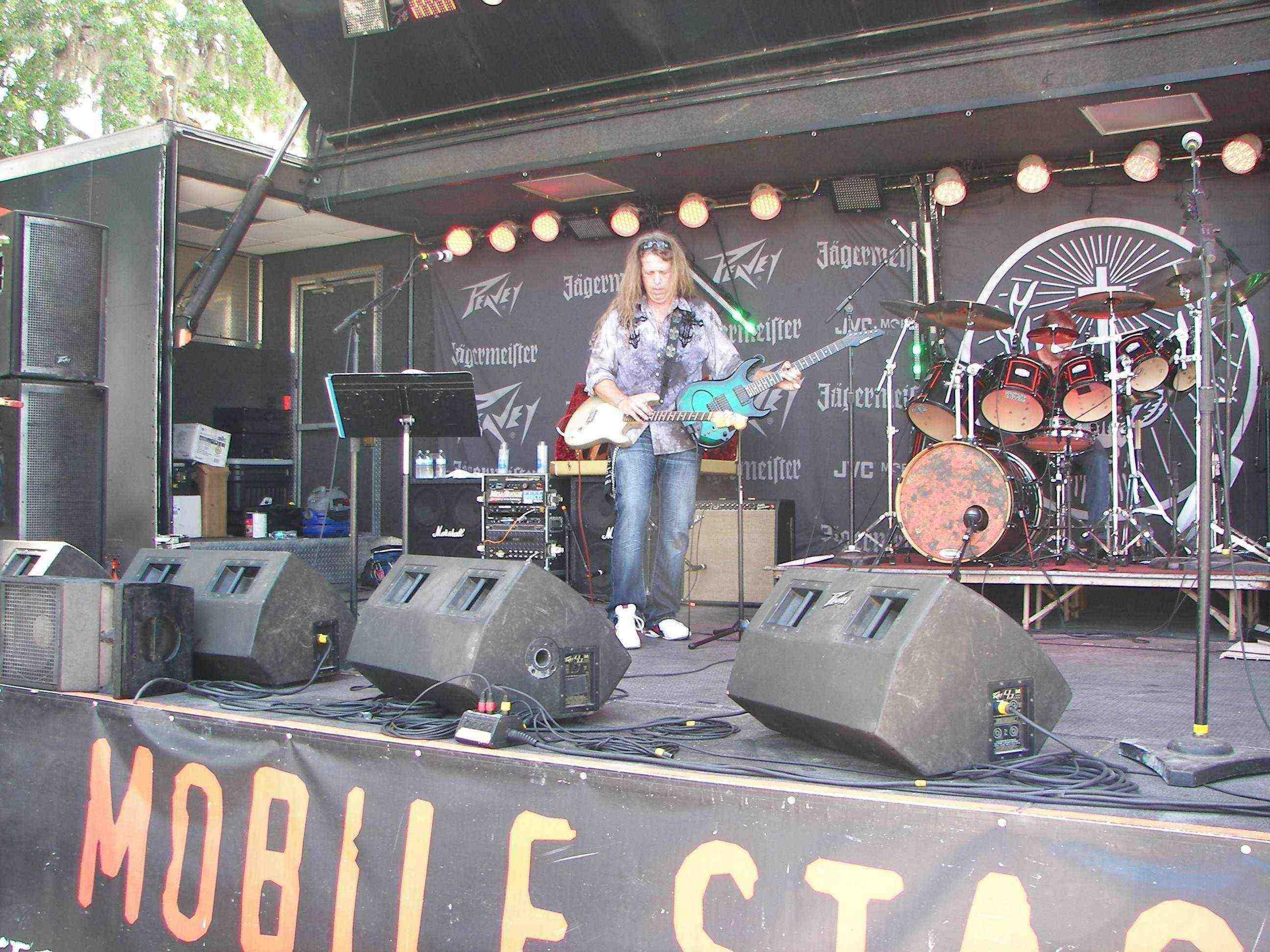 2 guitar play